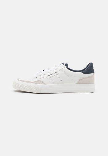 JFWMORDEN - Sneakers - white/navy