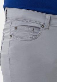BRAX - STYLE CADIZ - Slim fit jeans - silver - 3