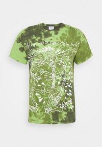 Vintage Supply - SKELETON SLOGAN GRAPHIC TYE DYE - Print T-shirt - green - 4