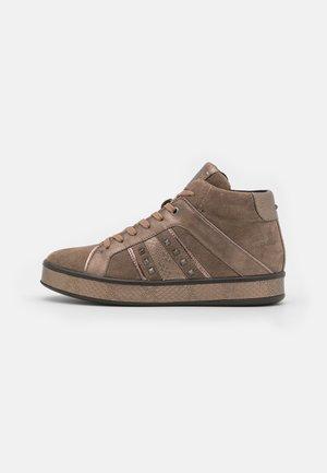 LEELU - Sneakersy wysokie - dark beige