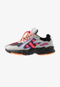 adidas Originals - YUNG-96 CHASM TRAIL TORSION SYSTEM SHOES - Trainers - grey two/solar orange/core black - 1