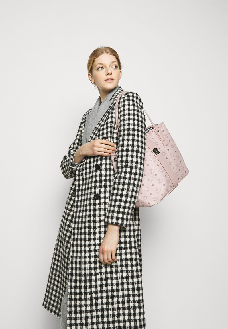MCM - SHOPPER PROJECT VISETOS MEDIUM SET - Shopping bag - powder pink