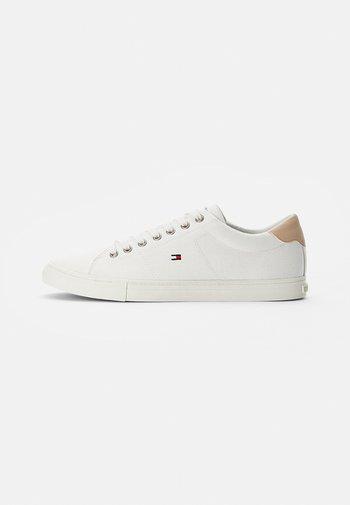 ESSENTIAL VULC - Sneaker low - ecru