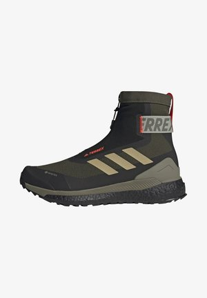TERREX BOOST COLD.RDY PRIMEKNIT HIKING SHOES - Vaelluskengät - feagry/savann/solred