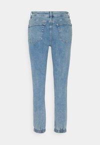 Karen by Simonsen - CAILYKB - Jeans relaxed fit - medium blue denim - 1