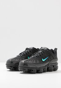 Nike Sportswear - NIKE AIR VAPORMAX 360 - Sneakersy niskie - black/anthracite/metallic dark grey - 4
