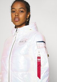 Alpha Industries - HOODED PUFFER NASA  - Winter jacket - white - 5