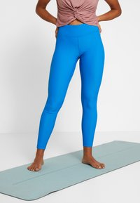 Casall - VISION SHINY HIGH WAIST - Punčochy - fierce blue - 0