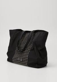 Versace Jeans Couture - SHOPPING BAG STUDDED - Velká kabelka - nero - 3