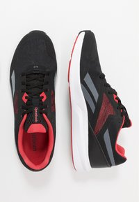 Reebok - RUNNER 4.0 - Obuwie do biegania treningowe - black/true grey/exclusiv red - 1
