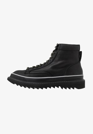 H-SHIROKI DMBB - Lace-up ankle boots - black