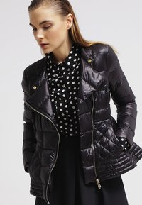 Patrizia Pepe - Down jacket - nero - 3