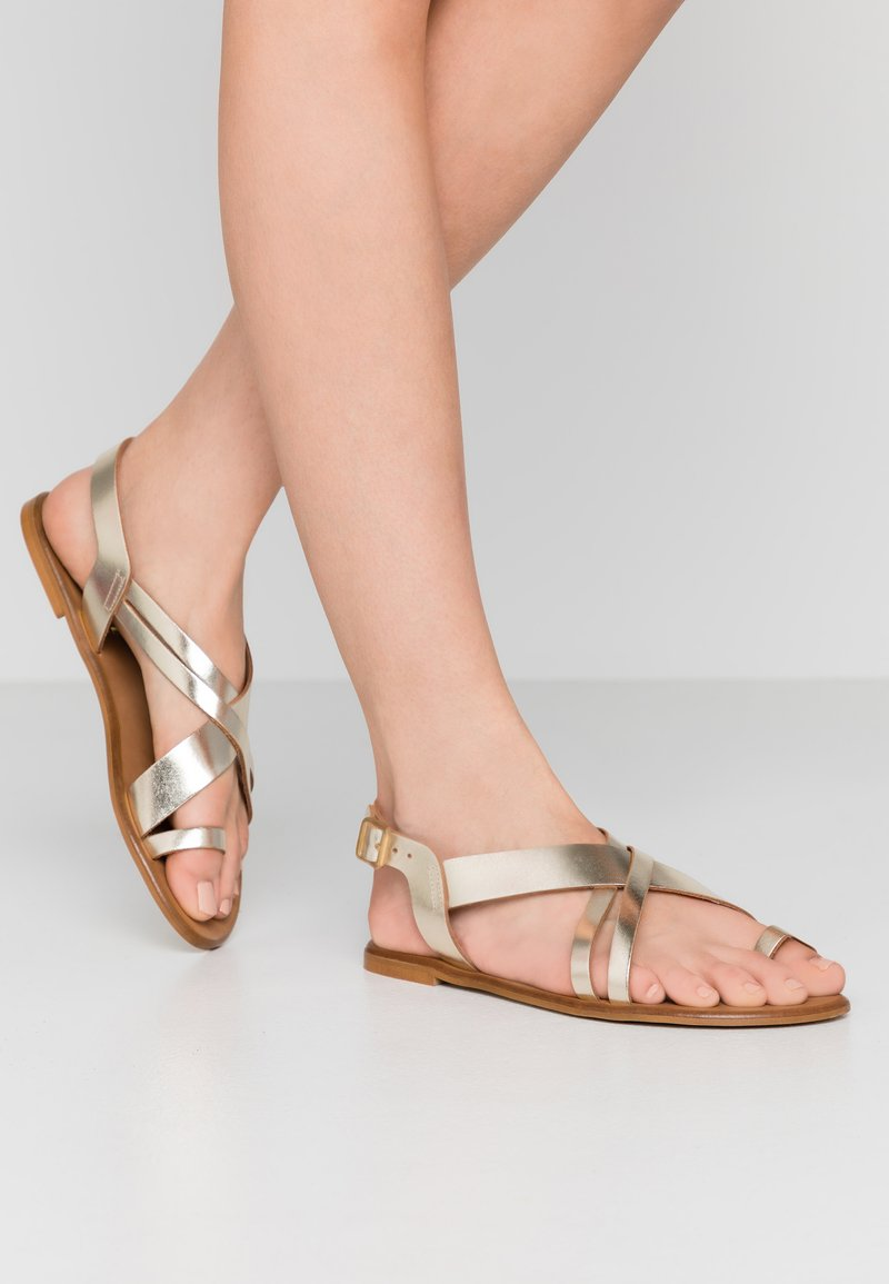 Office Wide Fit - SERIOUS - T-bar sandals - gold