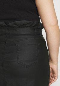 Missguided Plus - COATED PAPERBAG WAIST SKIRT - Mini skirt - black - 3