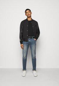 Club Monaco - SUPER WASH - Slim fit jeans - indigo - 1