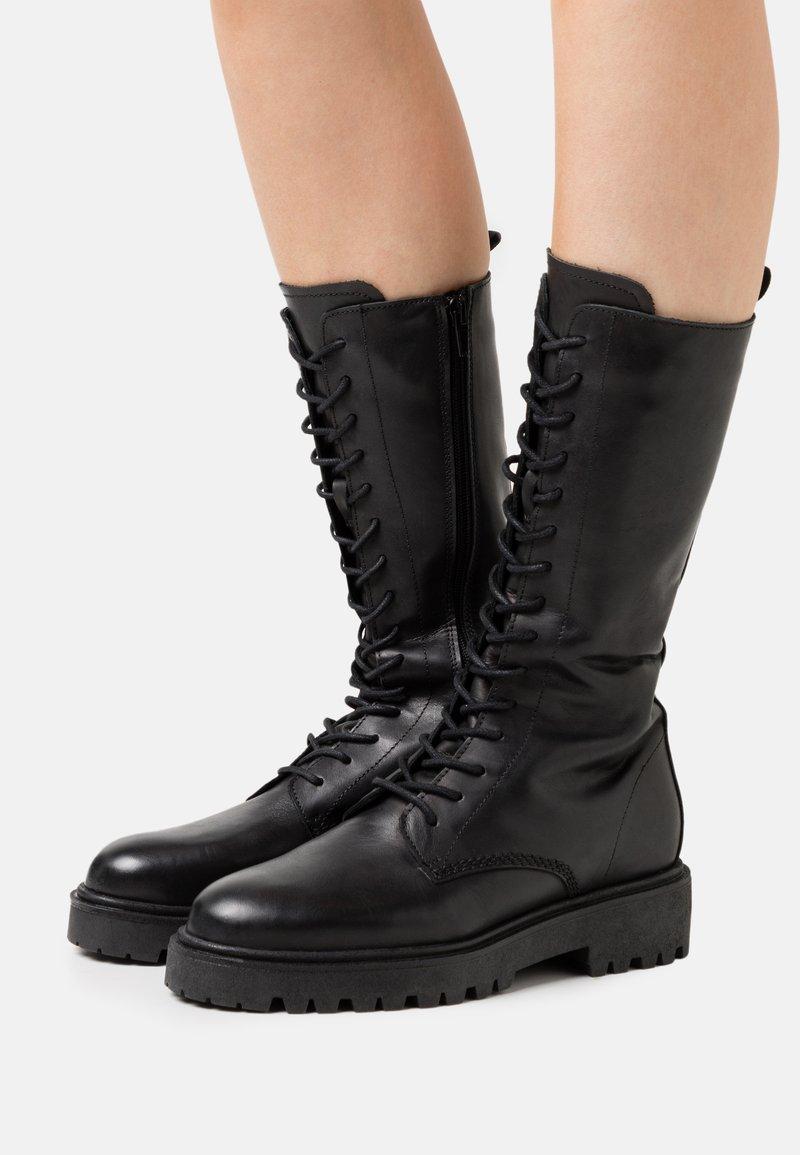 Zign - Šněrovací vysoké boty - black
