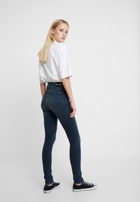 Calvin Klein Jeans - HIGH RISE SKINNY - Jeans Skinny Fit - shaded blue black smart - 2