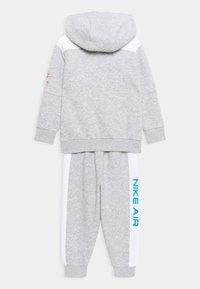 Nike Sportswear - AIR SET - Chándal - grey heather - 1