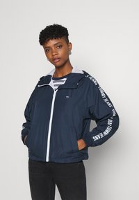 Tommy Jeans - TAPE SLEEVE  - Summer jacket - twilight navy - 0