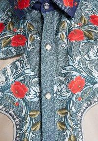 Versace Collection - CAMICIE TESSUTO - Košile - sabbia  stampa - 6
