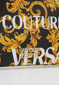Versace Jeans Couture - Clutch - black/gold - 6