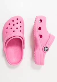 Crocs - CLASSIC - Pool slides - pink lemonade - 0