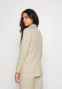 Fashion Union - Krátký kabát - beige - 2