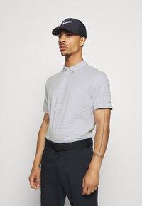 Nike Golf - DRY PLAYER - Funkční triko - white/sky grey/brushed silver - 0