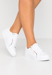 Tommy Hilfiger - SIGNATURE  - Joggesko - white - 0