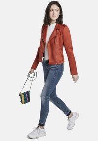 TOM TAILOR DENIM - MIT RISSEN - Jeans Skinny Fit - blue denim - 1