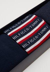 Tommy Hilfiger - MEN SOCK LOGO GIFTBOX 3 PACK - Chaussettes - dark blue/red - 2