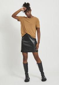 Object - OBJCHLOE SKIRT - Leather skirt - black - 1