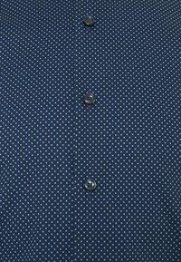 OLYMP Level Five - Koszula biznesowa - marine - 6