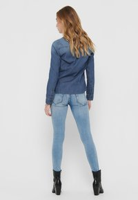 ONLY - Skjorte - medium blue denim - 2