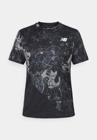 New Balance - PRINTED VELOCITY - T-shirt med print - black - 6