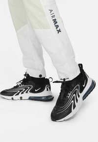 Nike Sportswear - Träningsbyxor - summit white/light bone/black/black - 4