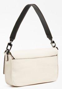 Guess - Handbag - weiß - 2