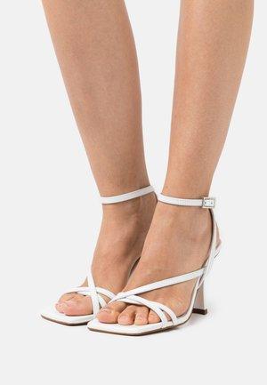Sandals - blanco tibet