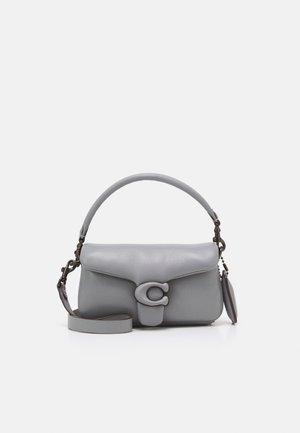 COVERED CLOSURE PILLOW TABBY SHOULDER - Handbag - granite