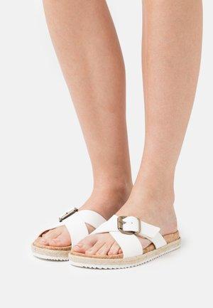 MARA  - Pantolette flach - white