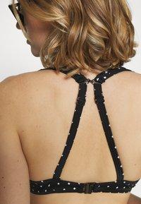 Freya - JEWEL COVE HIGH APEX  WITH HOOK - Bikini top - black - 6