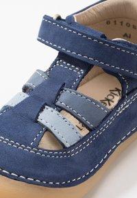 Kickers - SUSHY - Zapatos de bebé - bleu - 2