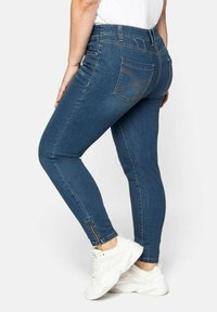Sheego - Jeans Skinny Fit - blue denim - 2