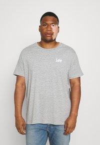 Lee - GRAPHIC PLUS 2 PACK - Basic T-shirt - grey mele/black - 3
