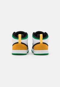 Jordan - 1 MID SE UNISEX - Basketbalové boty - white/laser orange/black/lucky green - 2