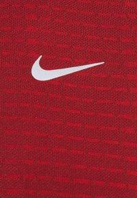 Nike Performance - TECH ULTRA LAUFSHIRT HERREN - T-shirts print - chile red - 5