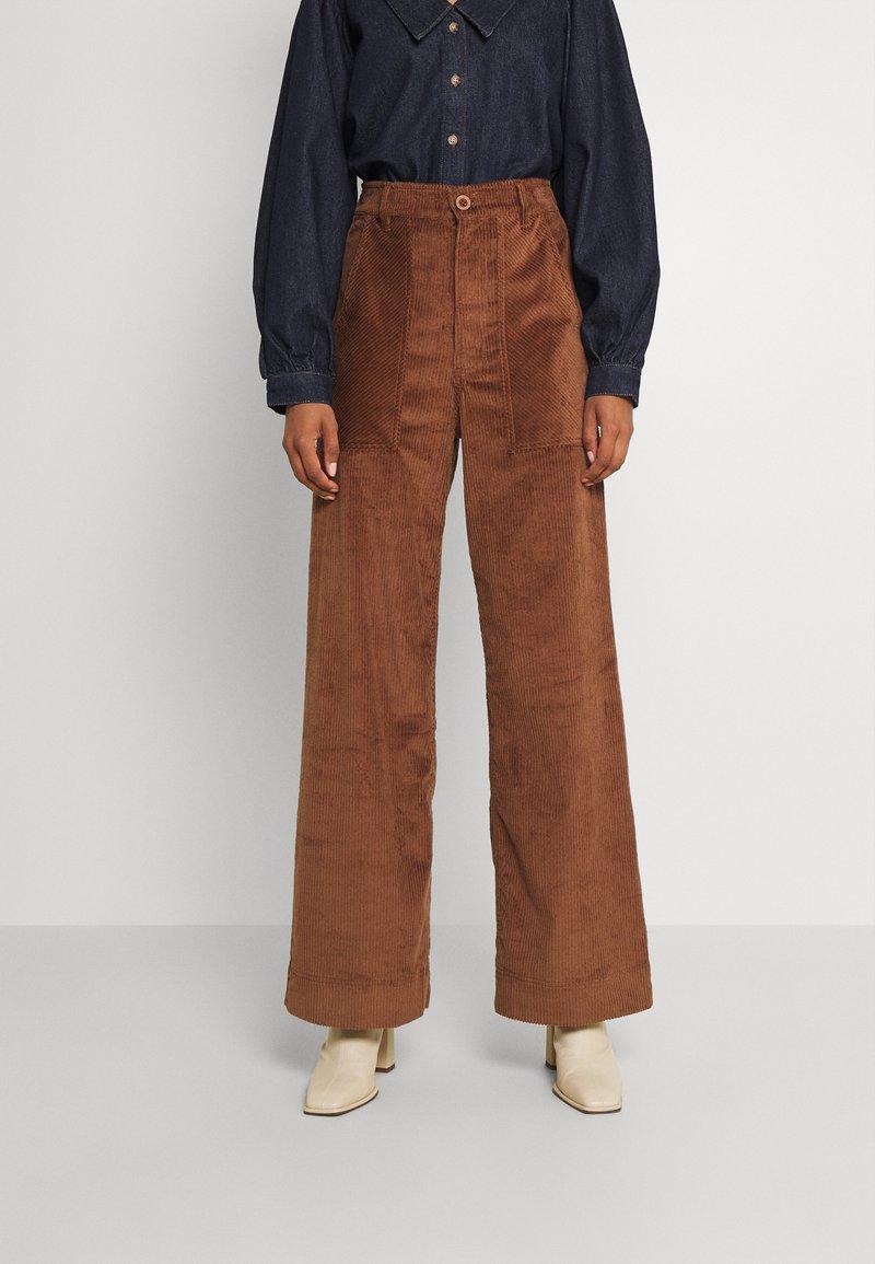 Dedicated - WORKWEAR PANTS VARA - Trousers - friar brown