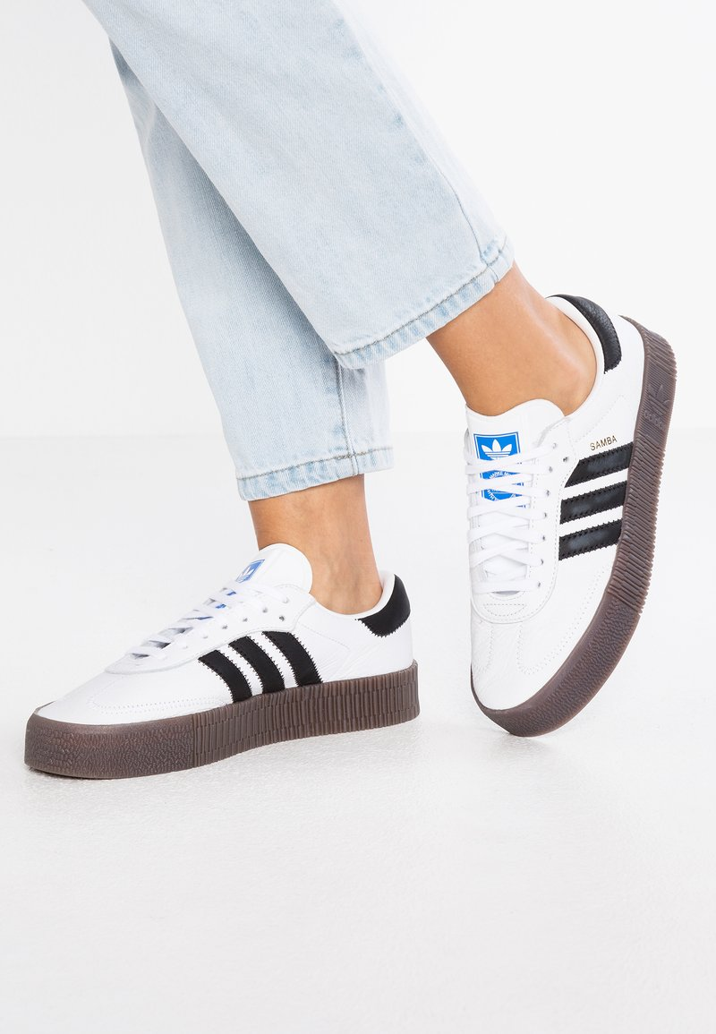 adidas Originals - SAMBAROSE - Sneaker low - footwear white/core black