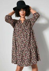 Angel of Style - Day dress - schwarz,rosé - 0
