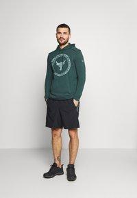 Under Armour - ROCK SNAKE  - Sweatshirt - ivy - 1